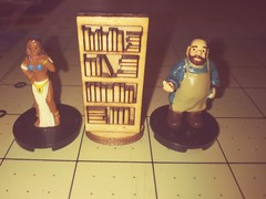 Bookshelf with books  D&D scale Miniature
