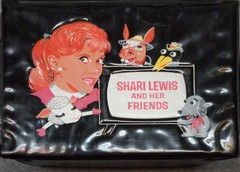 Shari Lewis And Her Friends Vinyl Lunchbox & Thermos © 1963 Aladdin Industries