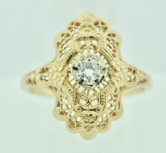 Beautiful Filigree Ring with Single Diamond in 14k Yellow Gold