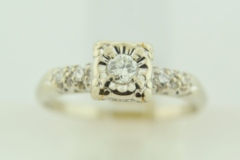 Heirloom Style Ring in 14k White Gold