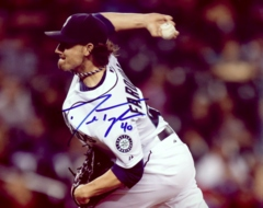 Danny Farquhar Mariners Signed 8x10 Photo C