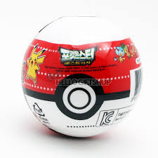 Pokemon: Pokeball w/ Figure & Sticker