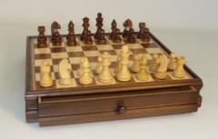 Chess Set: 15